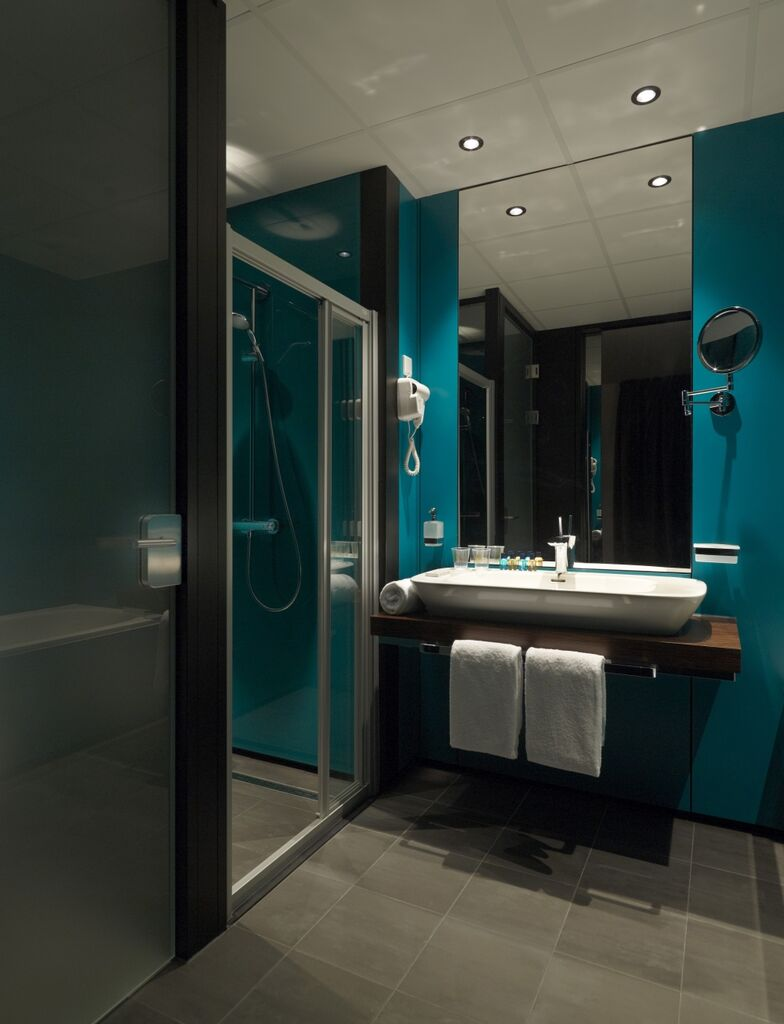 Spiegel op maat uit eigen fabriek - Wandbekleding voor wc ...