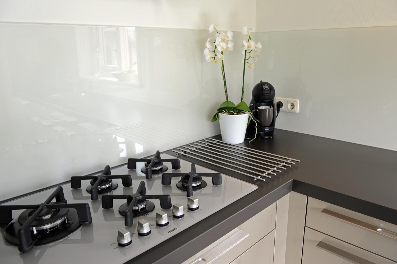 Spatwand Keuken Ikea : 10 gratis tips voor glazen keukenachterwanden glazz.nl